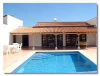 Luxury 3 bed villa with Pool, Alamos Park