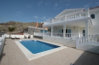 4 bed villa to rent in Las Americas