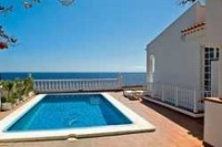 5 bed villa to rent in Playa San Juan