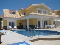 4 bed villa to rent in Callao Salvaje
