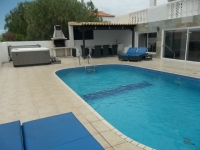 6 bed villa to rent in Callao Salvaje