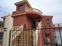 4 bed villa to rent in Los Menores