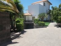 Villa to rent in Playa Del Duque