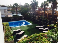 6 bed villa to rent in Las Americas